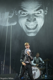 2013-09-21-the-hives_03