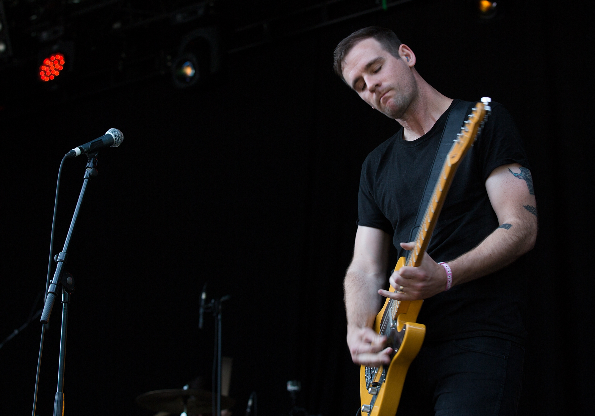 13-06-2015_Defeater-AM_01