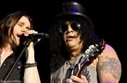 Slash als Support für Mötley Crüe (Lorena Viciconte)
