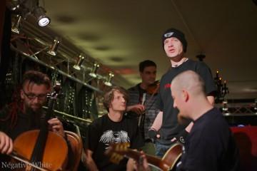Die Letzte Instanz bei einer Acoustic-Session im ehemaligen Dress in Black (Sacha Saxer)