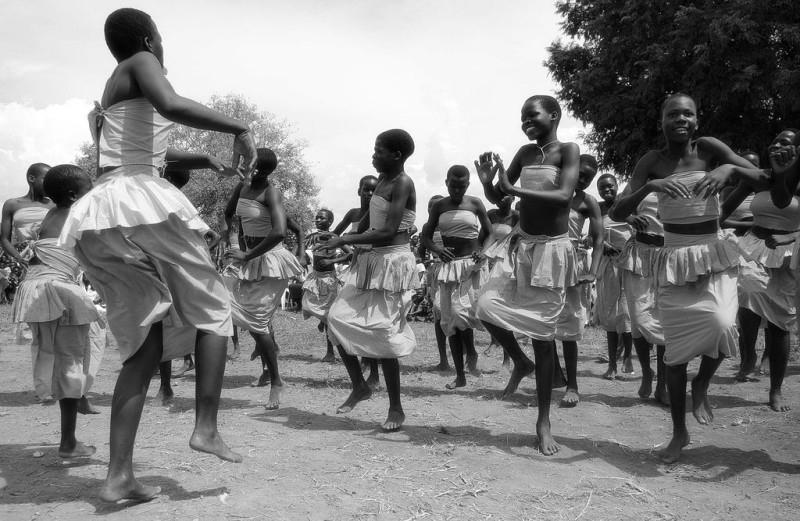 1024px-Cultural_celebrations_resumed_with_the_end_of_the_LRA_conflict_in_Northern_Uganda_(7269658432)