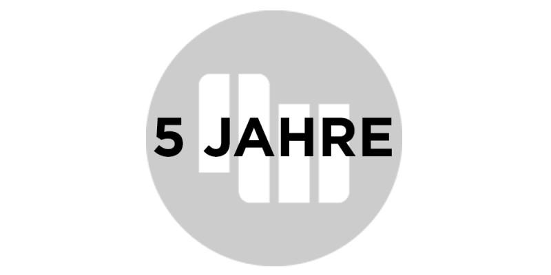 5-Jahre_gross_negative white
