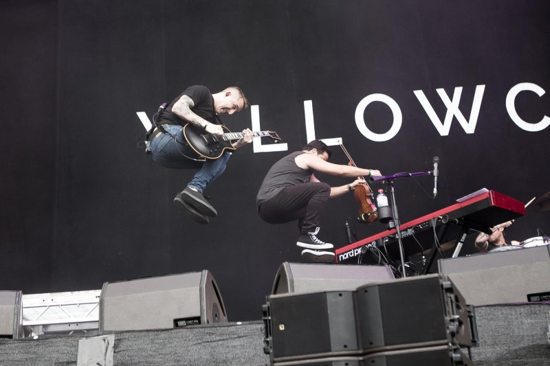 Synchronspringen bei Yellowcard (Foto: Christoph Gurtner)