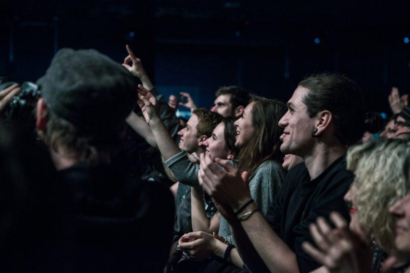 Das Publikum frisst EoDM aus der Hand (Foto: Nicola Tröhler)
