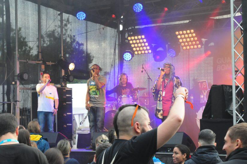 Quartier Bon Son sorgten mit ihrem dreistimmigen Rap mächtig für Stimmung. Foto: Sandro Schmutz.